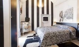 Black And White Stripes design